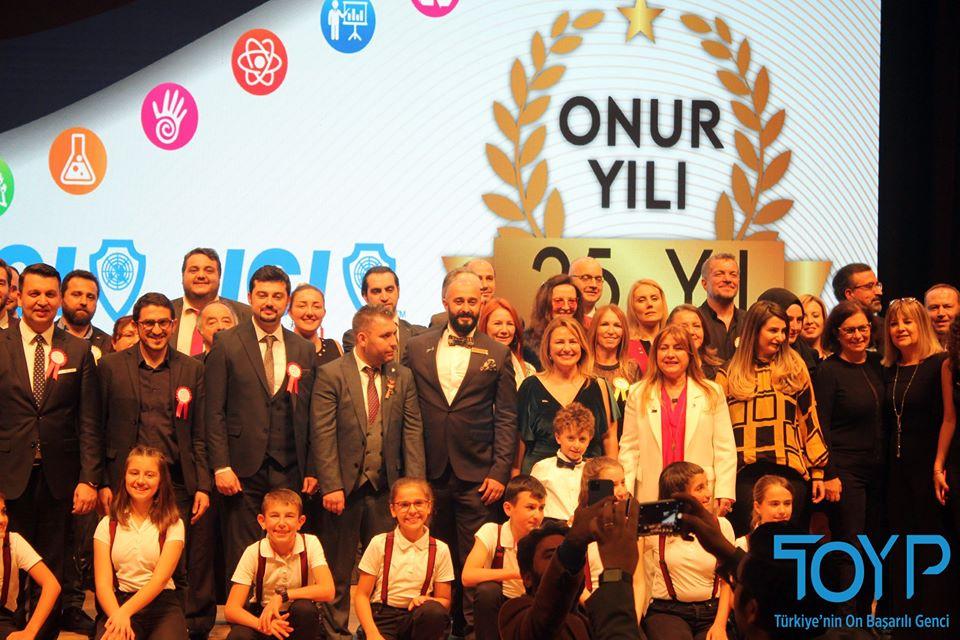 'TÜRKİYE'NİN EN BAŞARILI 10 GENCİ' AÇIKLANDI